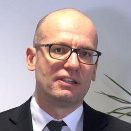 Доктор Свен Махнер