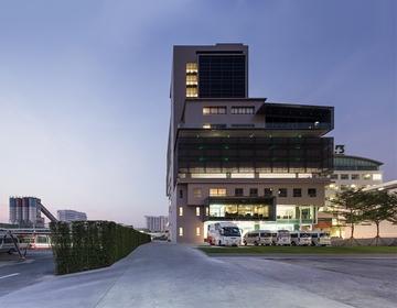 Больница Sikarin